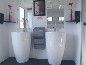 intérieur caravane sanitaire VIP